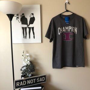 NWT Champion spellout C logo short sleeve grey tee